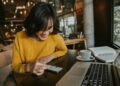 paket internet unlimited 10 Penyebab Gagalnya Bisnis Ekspor - young hipster woman smiling sitting in coffee shop using smartphone smiling technology happy internet t20 XznLE6 120x86 - 10 Penyebab Gagalnya Bisnis Ekspor