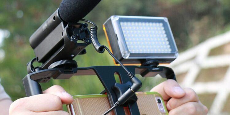 Mikrofon HP untuk Vlog mikrofon hp untuk vlog - mikrofon Takstar SGC 598 750x375 - 7 Mikrofon HP untuk Vlog Terbaik dengan Harga Murah
