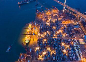 bukalapak - aerial top view of container cargo ship in the export and import business and logistics international t20 LzeXan 350x250 - Bukalapak, Unicorn yang Lahir dari Kos-kosan