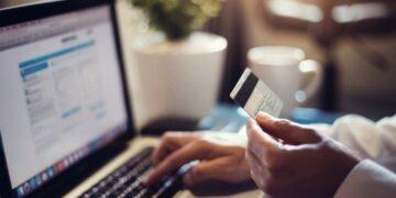 Cara Menjadi Eksportir Pemula yang Sukses - online purchase on laptop t20 e8gaQo 360x180 - Cara Menjadi Eksportir Pemula yang Sukses