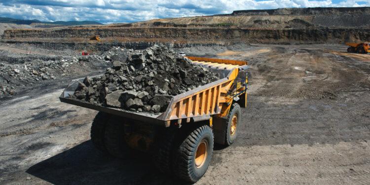 batubara ekspor batubara - big loaded mining truck t20 oEJeRA 750x375 - Negara-negara Asia Ini Jadi Target Ekspor Batubara Terbesar dari Indonesia